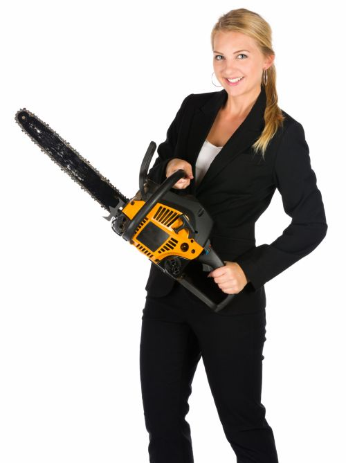 Lady-arborist-with-chainsaw